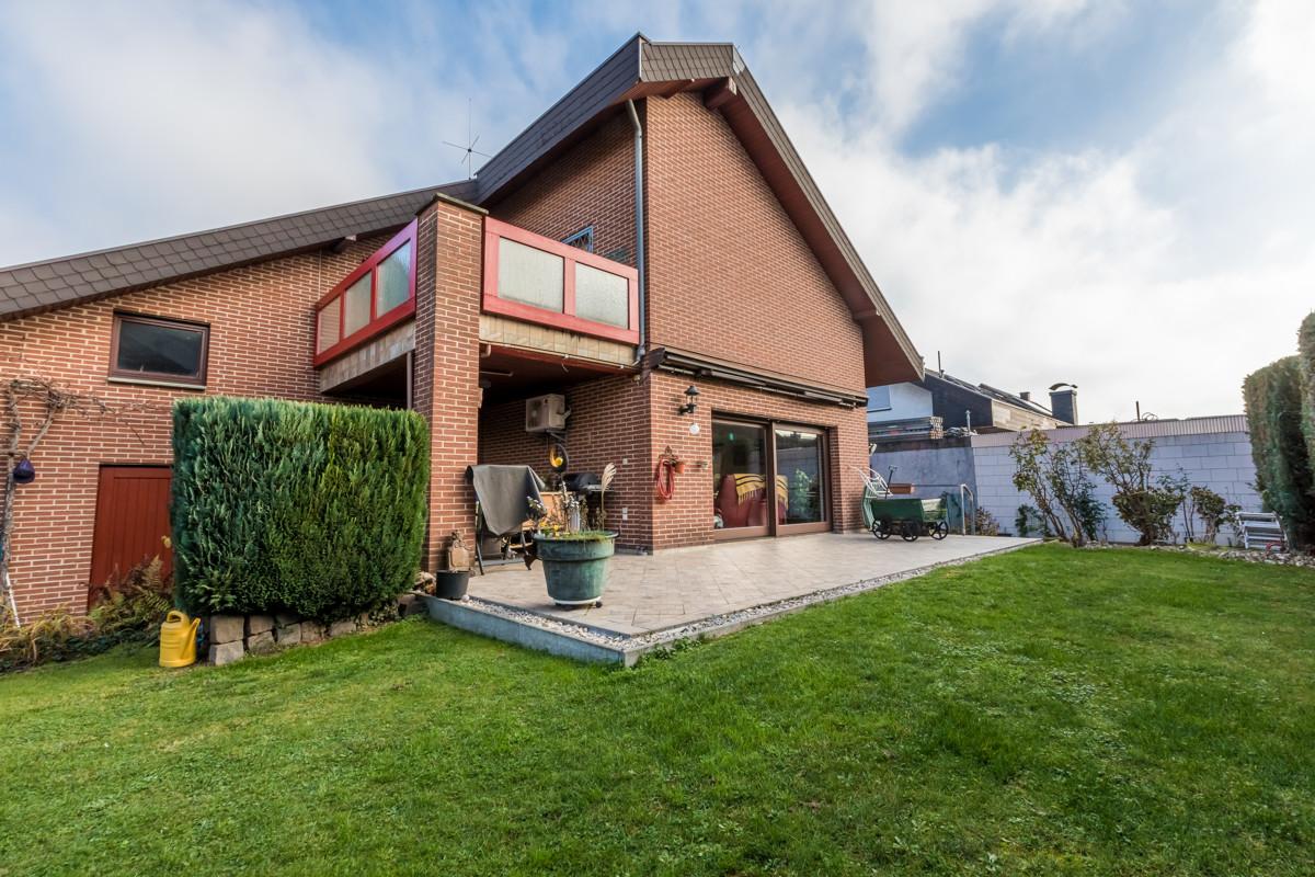 UNIKAT: Charmantes Ein- bis Zweifamilienhaus mit herrlichem Garten, 76773 Kuhardt, Einfamilienhaus zum Kauf